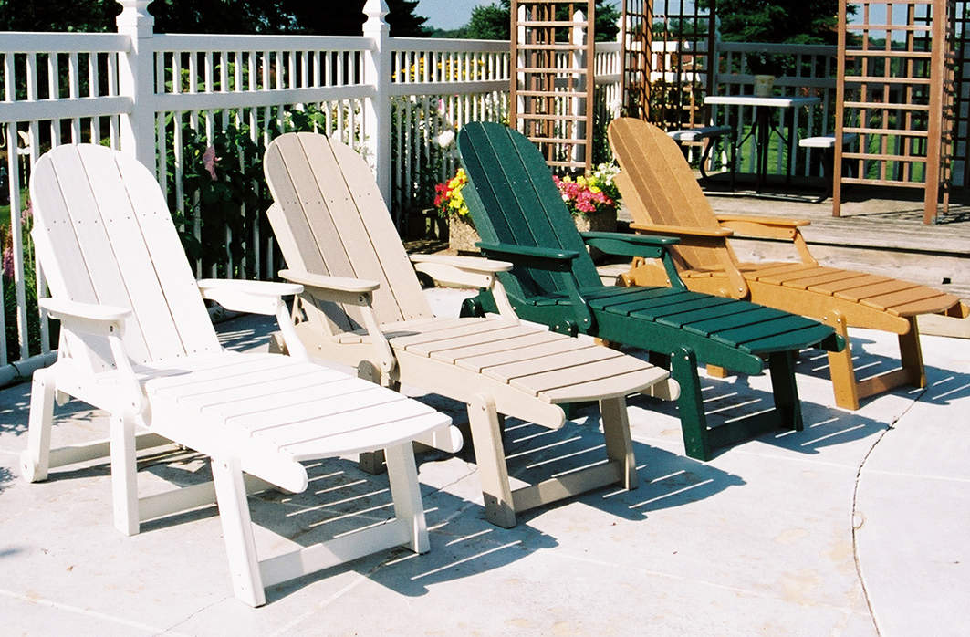 Tailwind Furniture Chaise Lounge and Beach Chairs